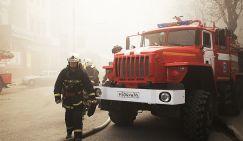 На фото ликвидация пожара в Саратове